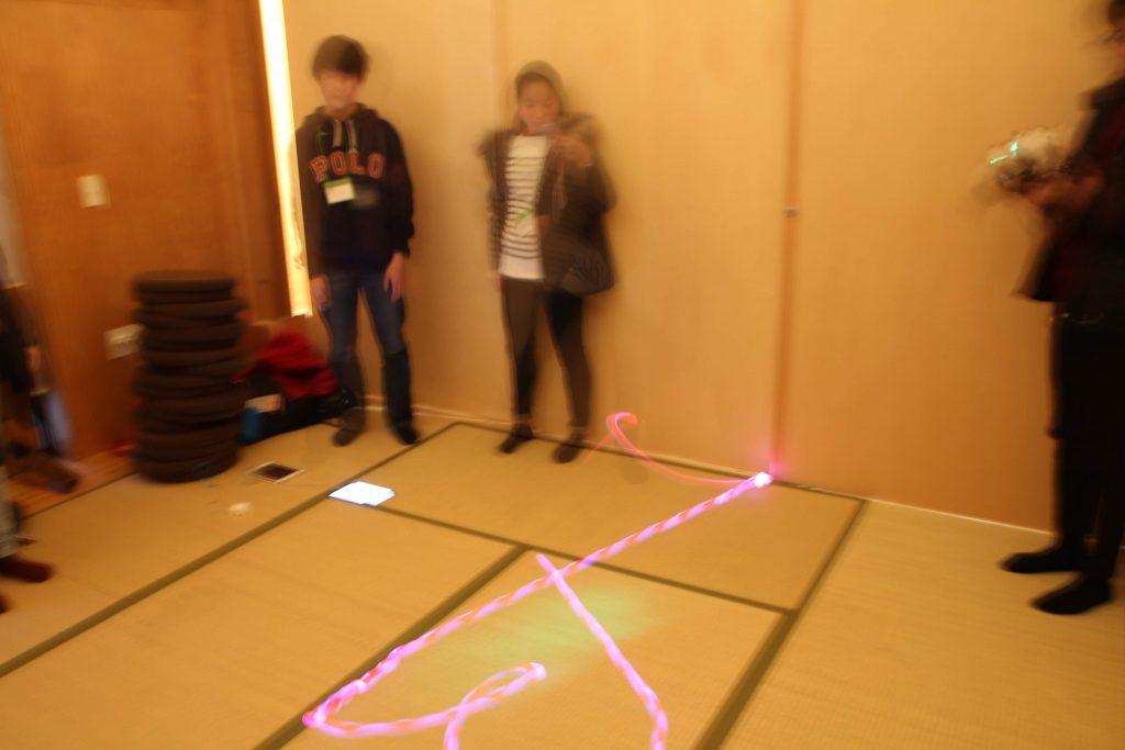 プログラムされたボールの軌跡がハートを描いた